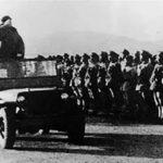 毛沢東は、共産党の官僚たちをやっつけるために軍隊も使った